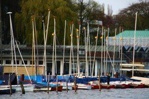 Der Steg mit den OSG Booten